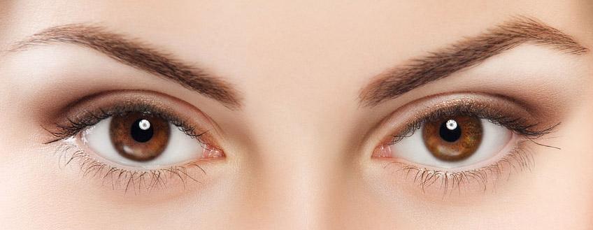 Echt farbige kontaktlinsen aussehen die Farbige Blaue